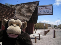 Tommy the Monkey, Bagdad Café, dubuc